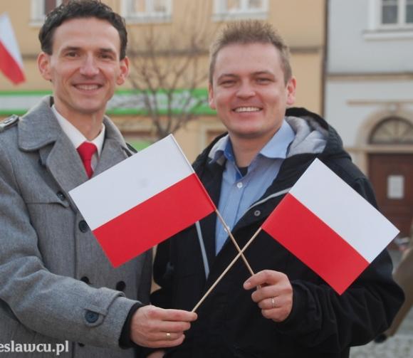 11 listopada rozdaliśmy pół tysiąca flag!